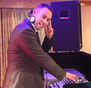 DJ Mark Rogers Party DJ for Platinum DJs and Discos.