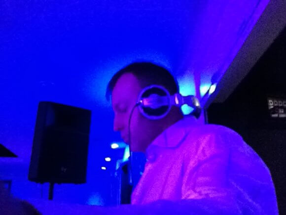 Kent based party and wedding DJ Murdoch.