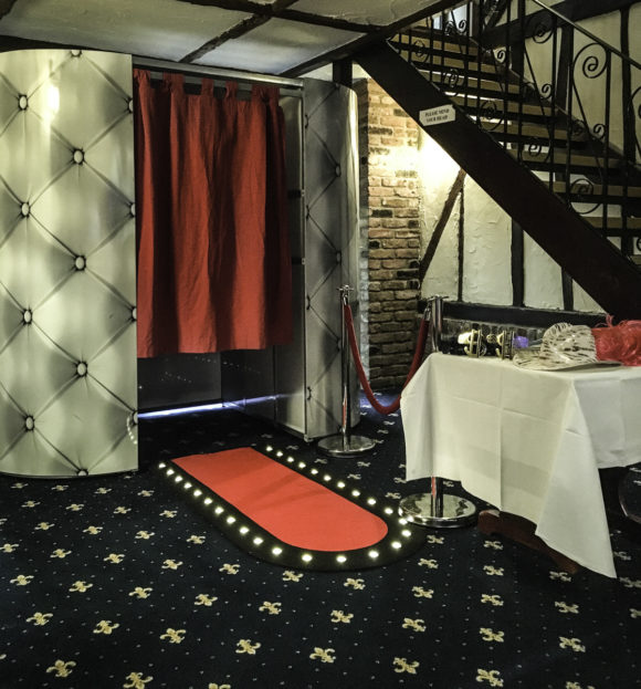 Hire a photo booth in London, Kent, Surrey and Essex.