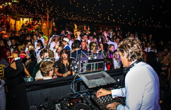 DJ Hire Kent, Surrey and Essex provide professional and reliable DJs.