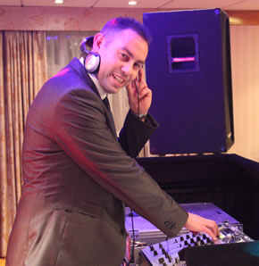 Platinum DJs works with Party DJ Mark Rogers in London and Kent.